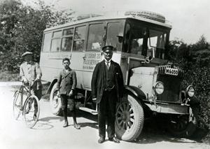 Bild på en riktigt gammal buss